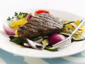 steak-and-al-gar-300pix
