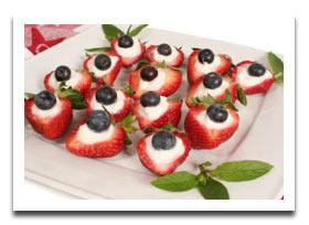 dessert-strawberries-cheesecake-blueberries-fourth-of-july